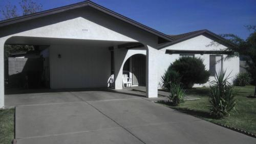 houses for rent in 85302