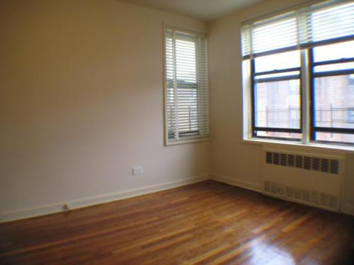 Large And Bright Rooms, Great Deal In Forest Hills - 1 br Forest Hills, NY