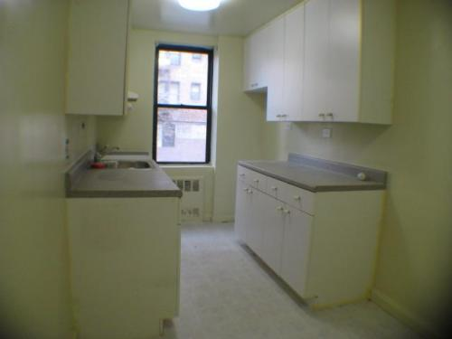 Super Deal @ Forest Hills, Large And Bright Rooms - 1 br Forest Hills, NY