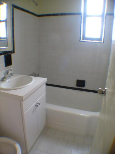 Large and Bright Rooms, Renovated Apartment - 1 br Forest Hills, NY