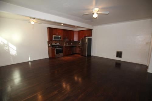 Jumbo 531 Sq Ft Studio Suite, Hardwood Floors, ...